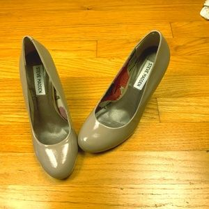 Steve Madden Halliee Heels Size 7 Blush  Patent Le